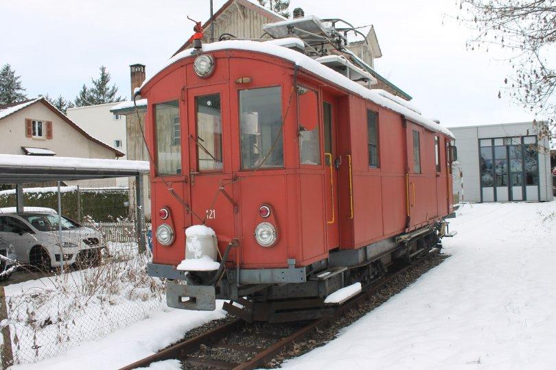 Die abgestellte Gem 4/4 121 beim Depot Solothurn am 15. Januar 2017. (Foto: Stefan Paschke)